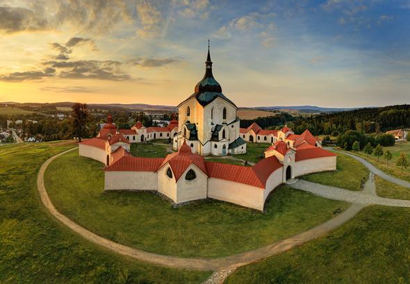 UNESCO-Welterbe: die barocke Kirche in Žd'ár nad Sázavou. (Foto: Libor Svácek)