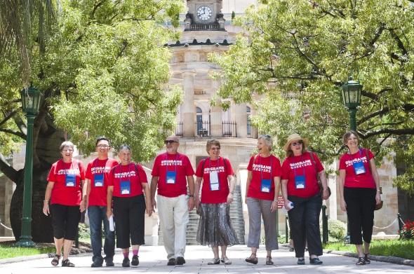 Bieten ihre Ortskenntnisse kostenfrei an: die Brisbane Greeters. (Fotos TEQ)