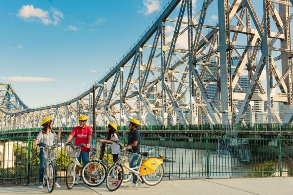 Die berühmte Story Bridge ist nur eine der Stationen, die sich auf der Tour durch die Hauptstadt von Queensland entdecken lässt.