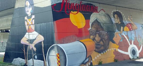 An vielen Stellen im Stadtgebiet haben die Aborigines einen künstlerischen Fußabdruck hinterlassen.