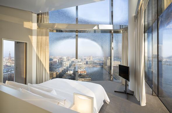 bettgefl ster n chtigen im elchhotel oder ber der elbphilharmonie neues hotel in krabi. Black Bedroom Furniture Sets. Home Design Ideas