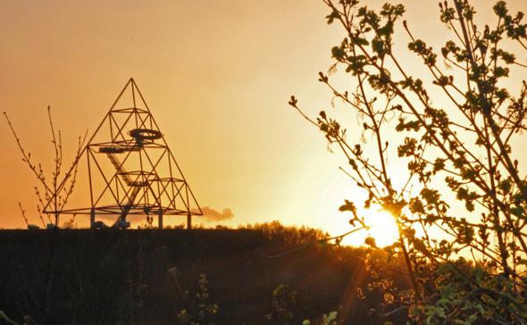 2027 soll das Ruhrgebiet - hier mit dem Teraeder in Bottrop - die Internationale Gartenausstellung (IGA) beheimaten. (Foto J. Schlutius)