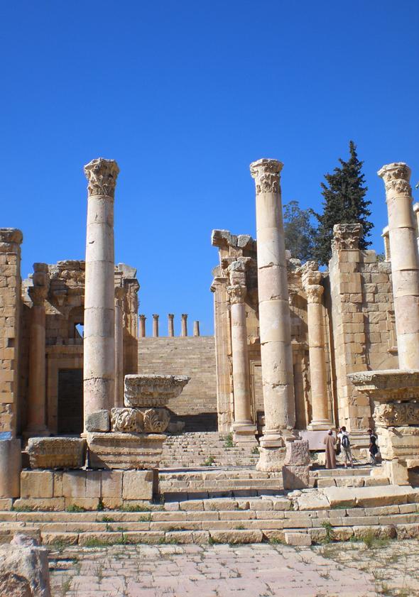 Ein echter Blickfang sind die berühmten Artemis-Stufen. (Foto Karsten-Thilo Raab)