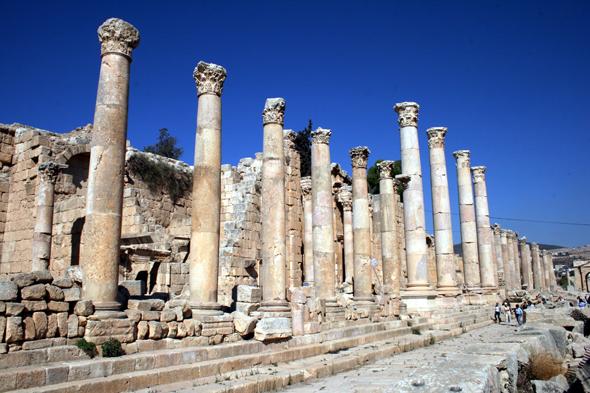 Der Cardo Maximus iist die Prachtstraße in Jerash. (Foto Karsten-Thilo Raab)