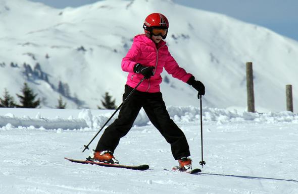 Im Malbi-Park können Anfänger behutsam erste Versuche auf den Skibrettern unternehmen. (Foto Karsten-Thilo Raab)