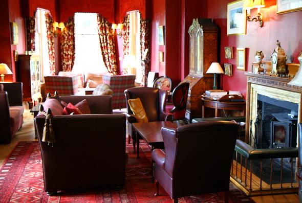 Gemütlich mit Kamin mutet auch der Lobby- und Loungebereich an. (Foto Karsten-Thilo raab)