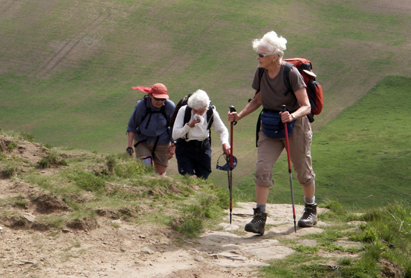 Herbnstzeit ist Wanderzeit - insbesondere dann, wenn es Petrus noch gut mit den Wanderern meint. (Foto Karsten-Thilo Raab)