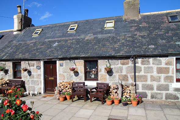 Obwohl die Häuser in Footdee eher klein sind, gehören sie zu den begehrtesten Adressen in Aberdeen. (Foto Karsten-Thilo Raab)