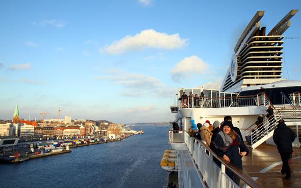 Pünktlich um 14 Uhr beginnt im Kieler Hafen die Minikreuzfahrt nach Oslo. (Foto Karsten-Thilo Raab)