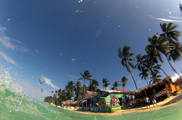 Traumstrände wie hier in Punta Cana machen die DomRep zum perfekten Paradies für Sonnenhungerige. (Foto Karsten-Thilo Raab)