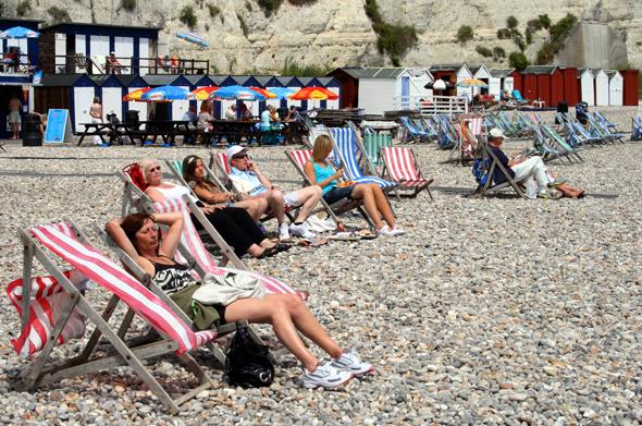 Am Strand von Beer lässt sich entspannt ein Sonnenbad genießen. (Foto Karsten-Thilo Raab)