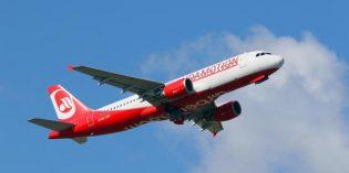 Laudamotion vorgestellt: Niki Lauda fliegt wieder