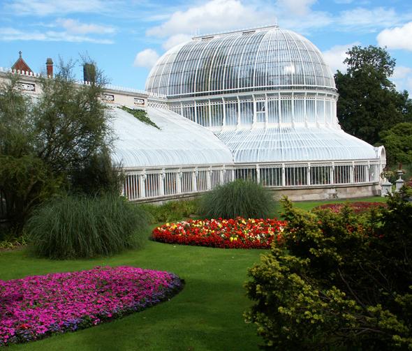 Ein viktorianisches Gewächshaus ist das Markenzeichen der Botanic Gardens in Belfast. (Foto Karsten-Thilo Raab)