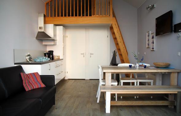 Der Küchen-, Ess- und Wohnbereich sind geschickt miteinander kombiniert. (Foto Karsten-Thilo Raab)