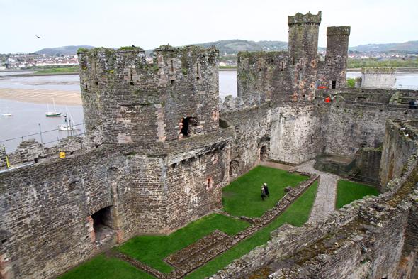 Das mächtige Conwy Castle wurde im 13. Jahrhundert errichtet. (Foto Karsten-Thilo Raab)