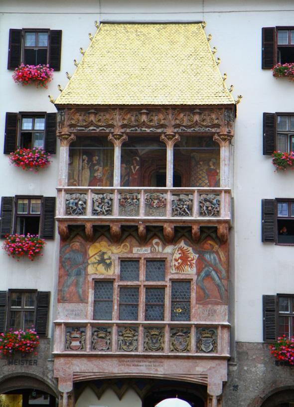 Das Goldene Dachl ist das wohl bekanntes Wahrzeichen der Tiroler Landeshauptstadt. (Foto Karsten-Thilo Raab)