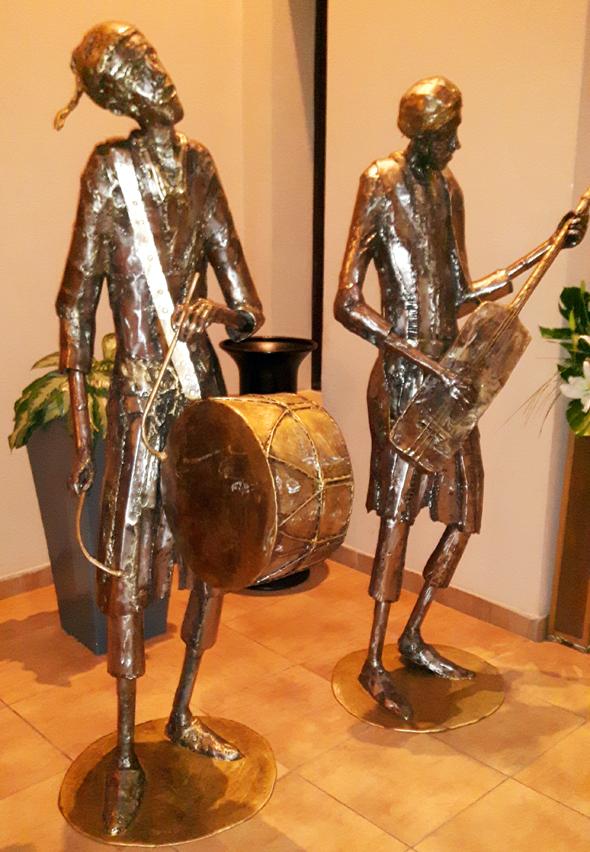 Kunstwerke und Skulpturen zieren nicht nur den Eingangsbereich des Royal Atlas. (Foto Karsten-Thilo Raab)