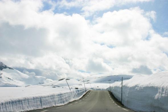 Norwegens Prachtstraße garantiert ein ganz ungewöhnliches Sommererlebnis. (Foto Karsten-Thilo Raab)