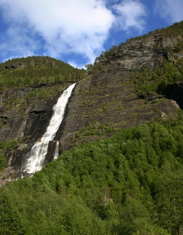 Der Sohnefjellsvegen besticht durch ein famoses Landschaftskino. (Foto Karsten-Thilo Raab)