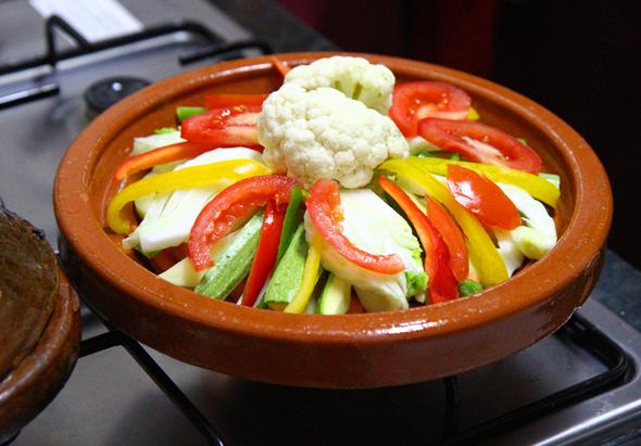 Auch eine Gemüse-Variante der Tagine lässt sich leicht herstellen. (Foto Karsten-Thilo Raab)