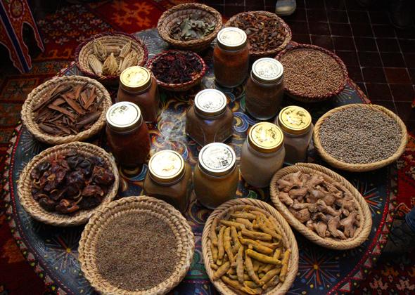 Gewürze und Kräuter spielen in der marokkanischen Küche eine große Rolle. (Foto Karsten-Thilo Raab)
