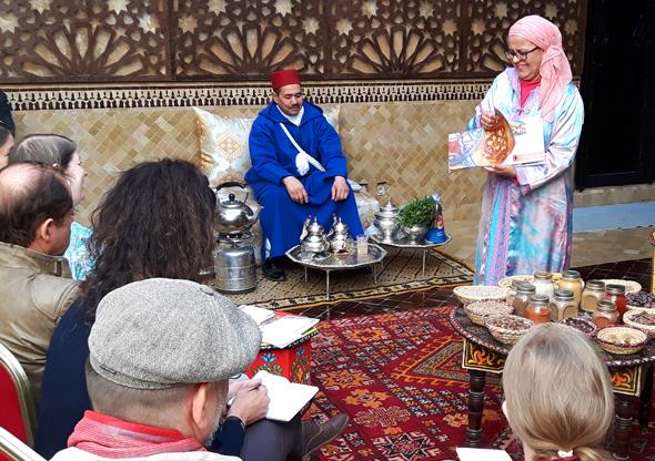 Wafa Amagui vermittelt einen Einblick in die marokkanische Küche. (Foto Karsten-Thilo Raab)