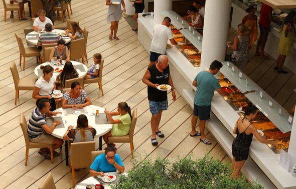 Das Büffet-Restaurant besticht durch roße Auswahl und hohe Qualität. - Foto Karsten-Thilo Raab