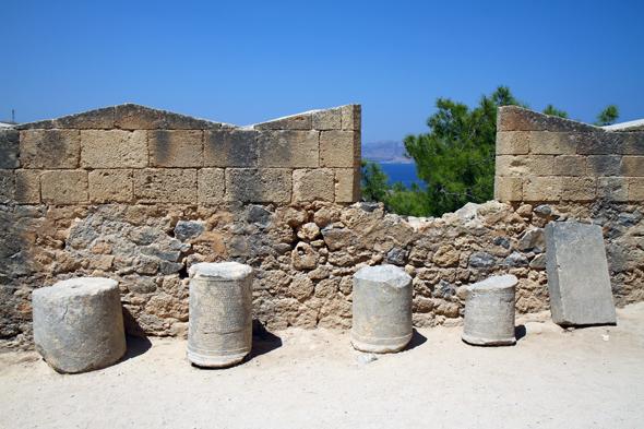 Fast alle Epochen der rhodischen geschichte werden in der Akropolis lebendig. - Foto Karsten-Thilo Raab