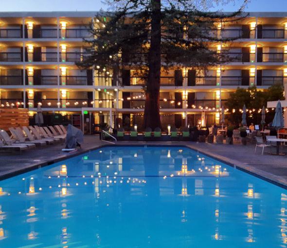 Badespaß ist im Paradox Hotel bis 23 Uhr gestattet. (Foto Karsten-Thilo raab)