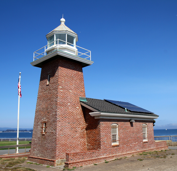 Das Mark Abbott Memorial Lighthouse beheimatet das kleine Surfing Museum. (Foto Karsten-Thilo Raab)