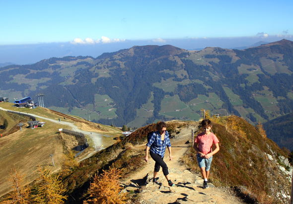 Steil ist der Aufstieg zum Wiedersberger Horn., das mit tollen Panoramablicken aufwartet. - Foto Karsten-Thilo Raab