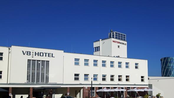 V8 Classic ist im histirschen Flughafen-Gebäude untergebracht. - Foto Karsten-Thilo Raab