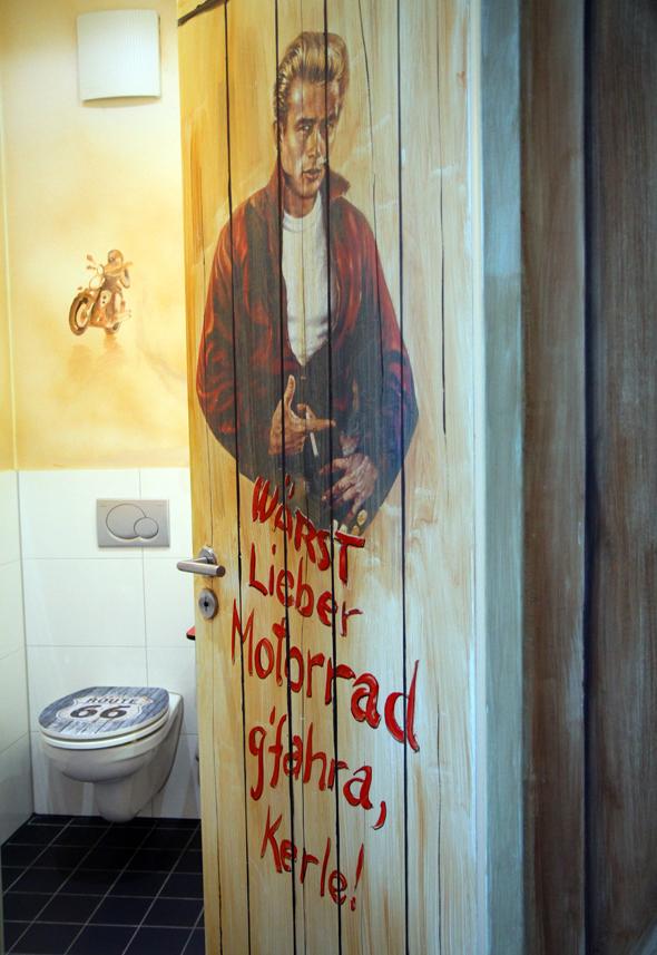 Die thematische Ausrichtung der Zimmer spiegelt sich auch in den Badezimmern wieder. - Foto Karsten-Thilo Raab