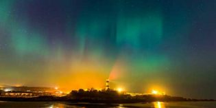 Polarlichter am Winterhimmel über Donegal