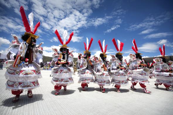 Im peruanischen Puno wird mit einem gigantischen Fest die Jungfrau von Candelaria gefeiert.