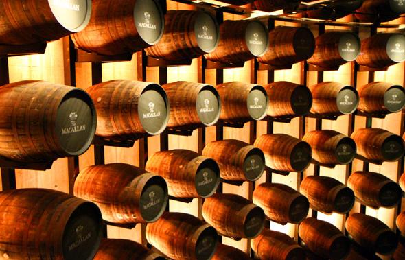 Die Lagerung in Sherry-Fässer ist eng verbunden mit der besonderen geschmacklichen Note. - Foto Karsten-Thilo Raab