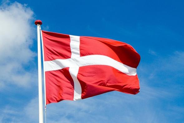 Die dänische Flagge blickt 2019 auf eine 800-jährige Geschichte zurück.