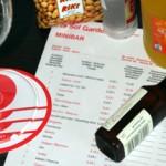 Minikühlschrank, Maxipreise – Rettet die Minibar!