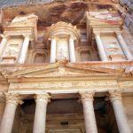 Jordanien feiert die faszinierende Felsenstadt Petra