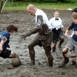 Kicken im schottischen Sumpf: Schlammpackung als Beigabe