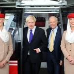 Emirates Air Line fliegt über die Themse