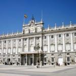 Spektakuläre Wachablösung am königlichen Palast