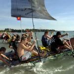 """Soweit die """"Kannen"""" tragen – Dosenbootregatta im australischen Darwin"""