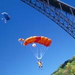 Nervenkitzel pur beim Bridge Day: West Virginia lädt zum weltgrößten Extremsportfest