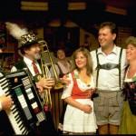 """""""Spirit of Gemütlichkeit"""" in Kanada: O'zapft wird beim 45. Kitchener Waterloo Oktoberfest"""