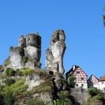 Bizarre Felsformationen, geheimnisvolle Höhlen: Wandern im Naturpark Fränkische Schweiz
