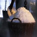 Weißes Gold selbst gemacht – auf Læsø lernen Besucher das Salzsieden in offenen Eisenpfannen
