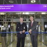 Teilautomatisierte Grenzkontrolle am Frankfurter Flughafen in Betrieb genommen