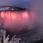 Lichtspektakeln an den Niagara Fällen