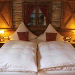Pyjama-Spießigkeit im Hotelbett – wie Reisende sich unterwegs am liebsten betten